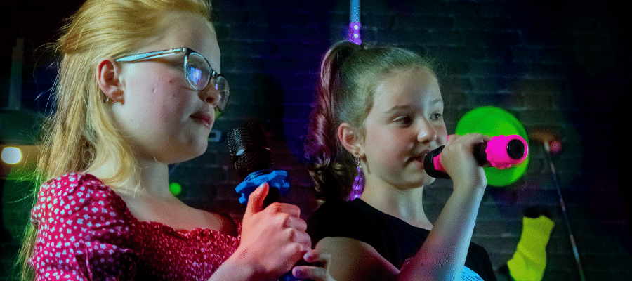 public areas duo kids and teenager childeren entertainment for train stations airport